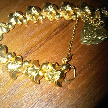 "22k Gold ""Bluebell"" bracelet - Fine Jewelry"