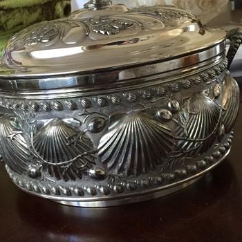 James W Tufts Boston Soup Tureen Seashell design