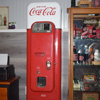 vendo44 Coca-Cola machine - Coca-Cola