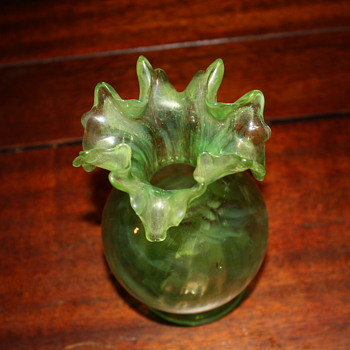 Another pretty vase with lacy edges - Art Glass