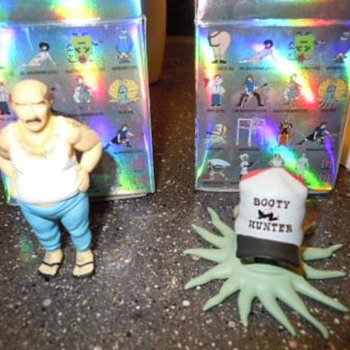 "KidRobot ""Early"" and ""Carl"" vinyl figures - Toys"