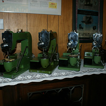"Swiss ELNA ""Grasshoppers"" - Sewing"
