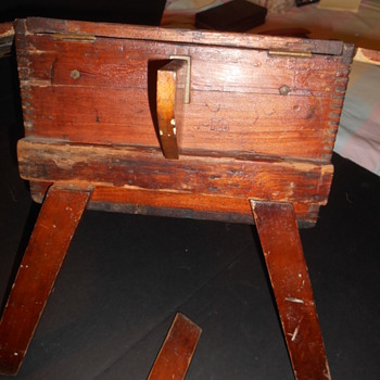 Vtg Chest/Storage writing table w detachable legs - Furniture