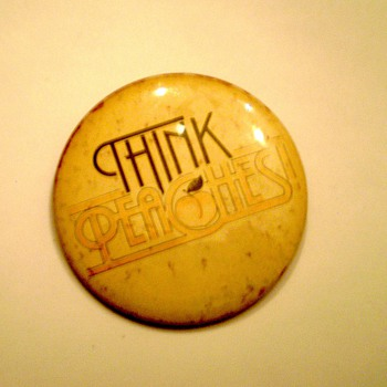 "Vintage ""Peaches"" Button - Advertising"
