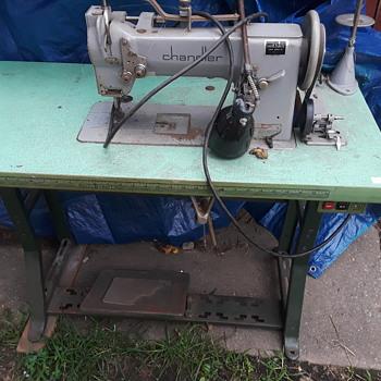 1905 Clandler Sewing machine  - Sewing