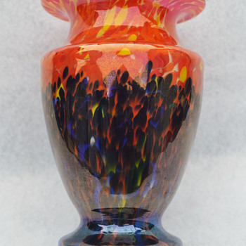 "Kralik ""Iris"" bottom-up spatter vase - Art Glass"