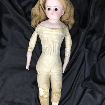 Mystery fashion doll? Only #10 on back of head. Any idea of the maker? - Dolls