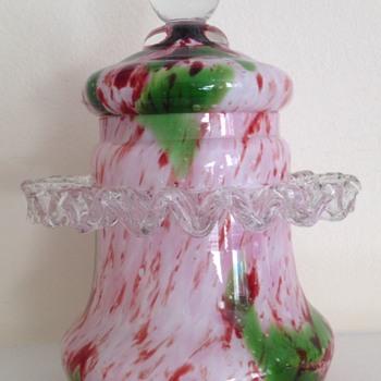 Welz (?) ruffled oxblood and green pot - Art Glass