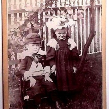 WHY I LOVE OUTDOOR VINTAGE PHOTOS.
