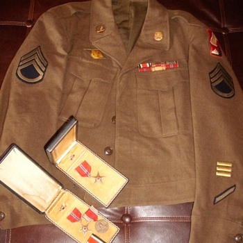 WW2 Uniform - Military and Wartime