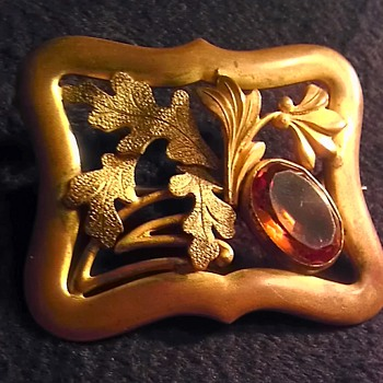Art nouveau/Deco? brass and amber glass sash pin - Art Nouveau