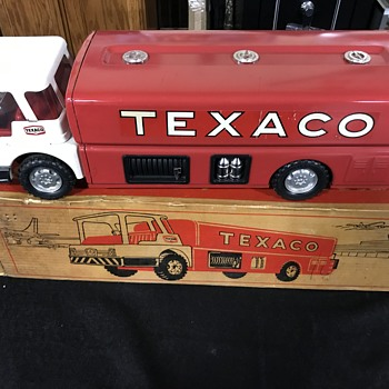 Texaco jet fuel toy truck  - Petroliana