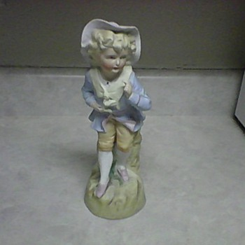 NO. 25 PORCELAIN FIGURINE - Figurines