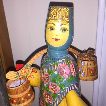 Russian wooden figure - Figurines