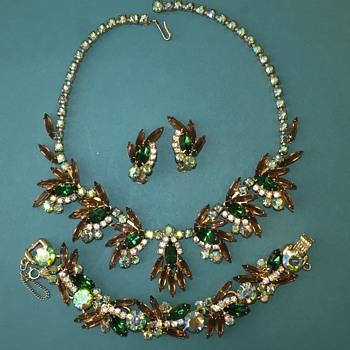 D&E Juliana Fall Color Necklace, Bracelet & Earrings - Wish I had the brooch, too! - Costume Jewelry