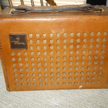 Old Regency Radio - Radios