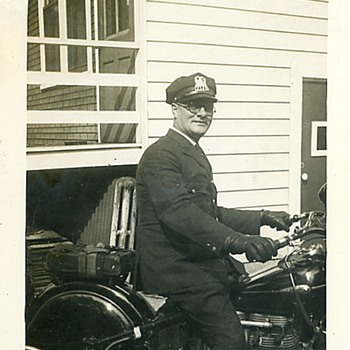 1945 Motorcycle Cop & Indian Inline 4 Cyl. - Photographs