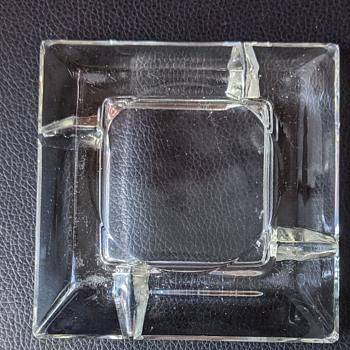 Mid Century Modern glass ashtray. - Mid-Century Modern