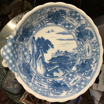 Japanese dish - transferware. - Asian
