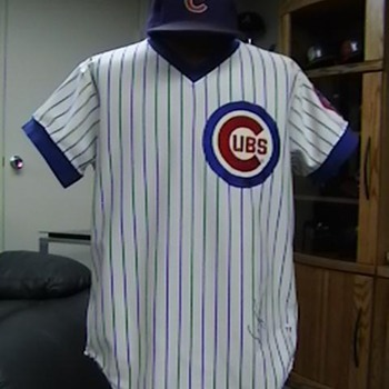 1979 Game Used Autographed  Dave Kingman Cubs Jersey & Cap - Baseball