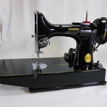 1948 Singer 221 - Sewing
