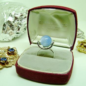 Rare Sarah Coventry Ring - Costume Jewelry