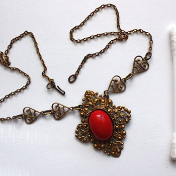 An interesting necklace - Costume Jewelry