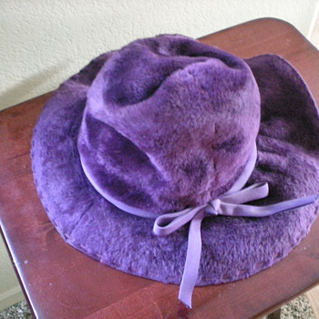Women's antique hat - Hats