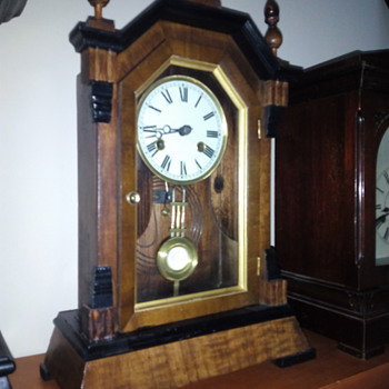 who know that mantel clock - Clocks