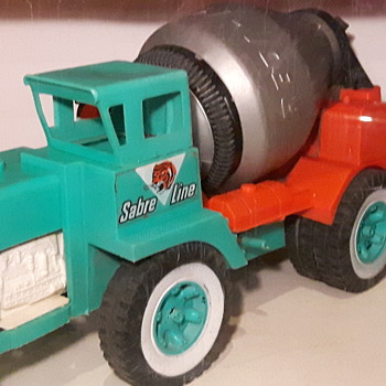 Reliable Toys. Sabre Line Redi Mix Truck - Model Cars