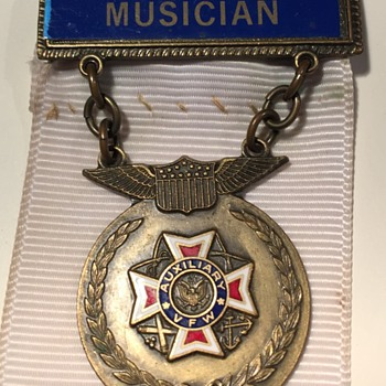 VFW Aux. Musician Pin - Medals Pins and Badges