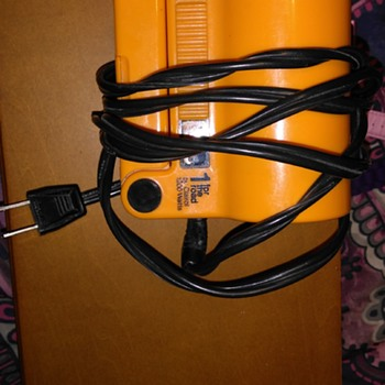 Vintage Orange Clairol fold up 1200W hairdryer -1 for the road - Accessories