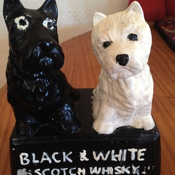 Black and white scotch dogs - Breweriana