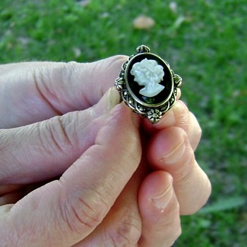 Silver Ring - Mother of Pearl Cameo