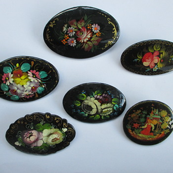 Russian lacquerware brooches - Costume Jewelry