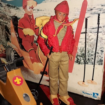 Kenner Steve Scout Avalanche on Blizzard Ridge Rare Set With Figure With Box And All That 1974 - Sporting Goods
