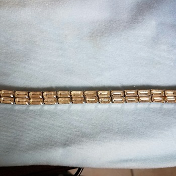 Lovely Vintage WEISS  Bracelet - subtle but elegant