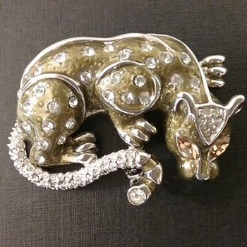 St John jaguar brooch  - Animals