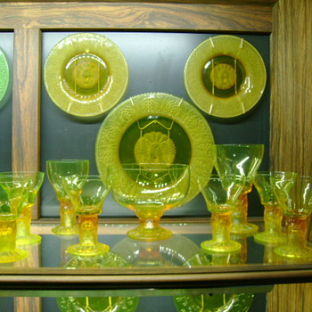 Pukeberg Vaseline Lion Head Goblets and Plates Patented by Jules Venon  - Glassware