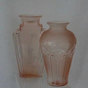 Pretty pinks from Taiwan - Art Glass