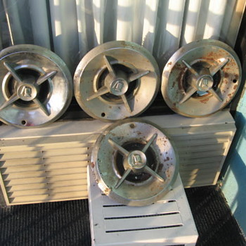 195o's Dodge Lancer Hubcaps 14 in wheel - Classic Cars