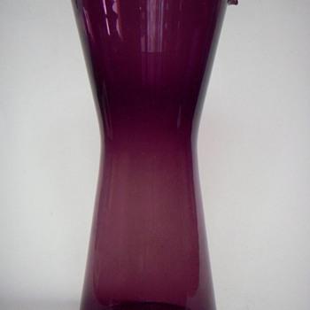 """Scandinavian Glass? 8 1/2"""" Thin Glass Beaker w/spout - Art Glass"""