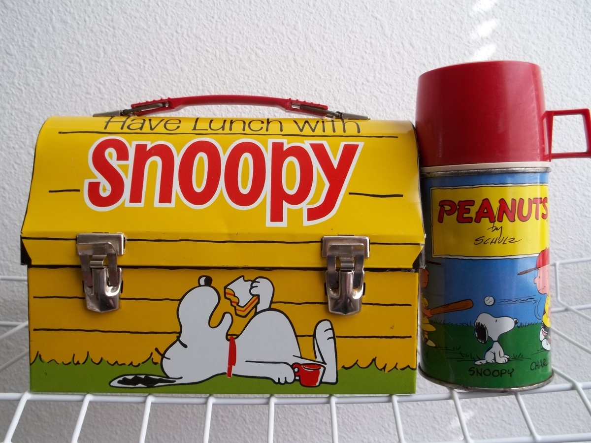 55f3339252c5 1968 Snoopy, Peanuts lunch box with bottle. | Collectors Weekly