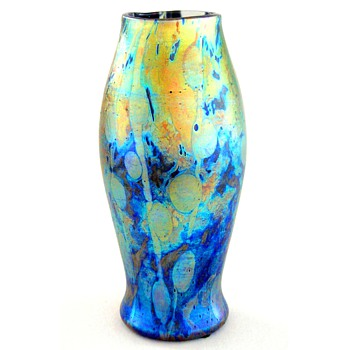 A Tiffany Cypriot vase - Art Glass
