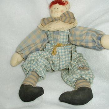 Need help identifying dolls