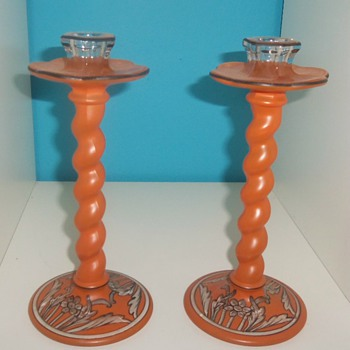 TIFFIN ART DECO REVERSE PAINTED GLASS CARVED CANDLESTICKS - Art Glass