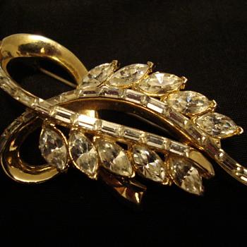 Pretty CoroCraft Brooch - Costume Jewelry