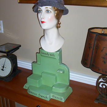 1920's mannequin head store display - Advertising