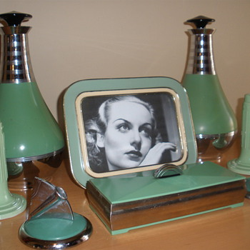 Art Deco Depression Green Objects - Art Deco
