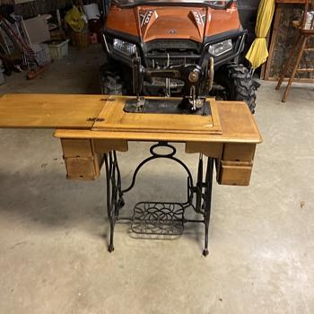 Manhattan sewing machine w/ blonde Tiger striped oak cabinet - Sewing